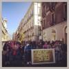 Il Corteo contro le vittime della mafia che ha attraversato via Etnea (foto Sarah Donzuso)