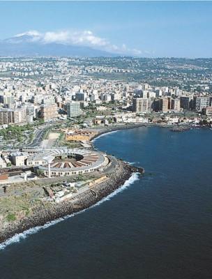 Parte della costa catanese