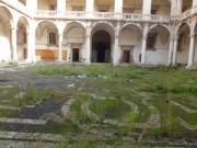 Collegio dei Gesuiti, il cortile in degrado
