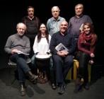 Un gruppo di attori popolari che hanno dato voce ai versi di Santo Calì