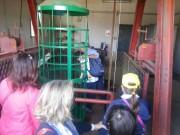 Sopra il pozzo di Porto Salvo. In fila per guardare il riverbero dell'acqua a 120 metri da una fessura