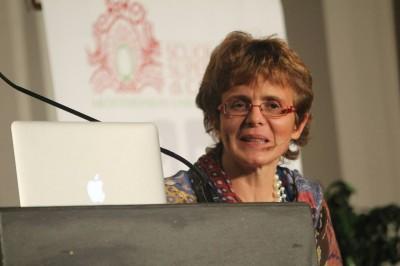 Elena Cattaneo: «Studiare è anche sottoporre ciò che sappiamo a dati verificabili e al vaglio degli altri»