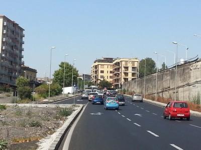 L'11 di agosto auto in fila sulla Circonvallazione ma la colpa è del cantiere dell'Enel
