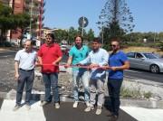Manlio Messina con il gruppo d'opposizione al taglio del nastro dell'incompiuta