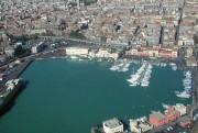 Una veduta sul Porto di Catania