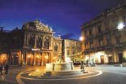 Piazza Vincenzo Bellini... ma anche piazza Teatro Massimo