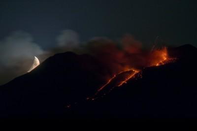 Etna in eruzione, lo scatto vincente di Santo Principato