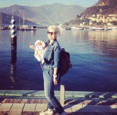 Francesca Icardi a passeggio con mamma Wanda Nara