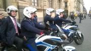 Catania - Vigili Urbani in moto, con la cravatta rosa il vicesindaco Marco Consoli