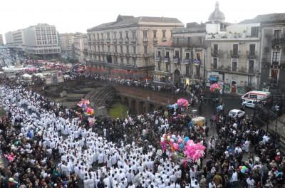 Il Fercolo di S. Agata in piazza Stesicoro (foto d'archivio 2013)