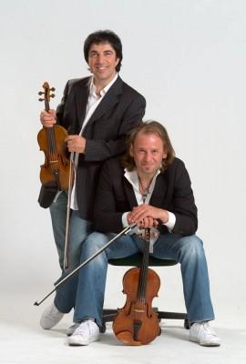 08 E - violinisti in jeans