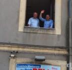 San Giovanni la Punta - Nino Bellia alla finestra subito dopo il risultato del ballottaggio