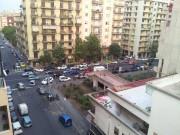 Viale V. Veneto, il suv parcheggiato contromano e a ridosso di un incrocio, impedisce di fatto al viabilità