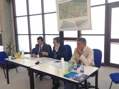Alla presentazione dell'Interporto, l'assessore Giovanni Pizzo, Cosimo Indaco del Porto, il sindaco Enzo Bianco e Alessandro Albanese presidente della società Interporti siciliani