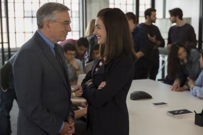 Lo stagista inaspettato, con Robert De Niro e Anne Hathaway