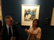 """Tania Coen dell'Israel Museum di Gerusalemme, con l'assessore Licando, ha fatto da guida alla stampa, alle sue spalle il quadro """"Gli amanti"""" che conclude la mostra"""