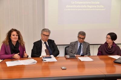 cooperazione sociale confcooperative e legacoop