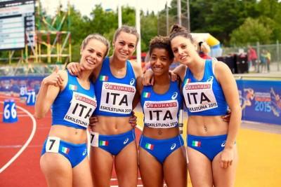 Chiara Torrisi con le colleghe della nazionale