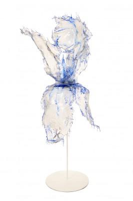 Annalù, Iris blu, 2016, resina ed inchiostri, cm 80x170x50
