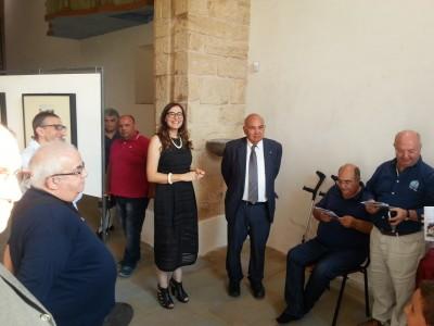 """Rita Di Trio e Ray Bondin inaugurano la mostra """"Militello restaura i suoi Patroni"""" con le immagini di Gianni Ciancio e Tonino Maccarrone"""