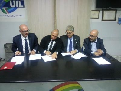 Firma accordo tra Confapi e Cigl Cisl e Uil