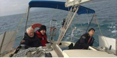 Ammiraglio Romano Sauro sulla Galiola III in navigazione