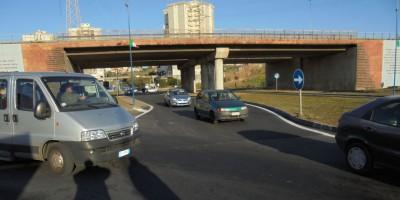 Cavalcavia di accesso a piazza Elefante Rifatto manto stradale