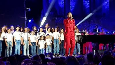 John Legend con il coro di Librino