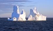 1280px-Sunset_iceberg_2