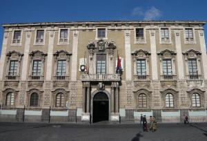 Palazzo Degli Elefanti Municipio_di_Catania_small
